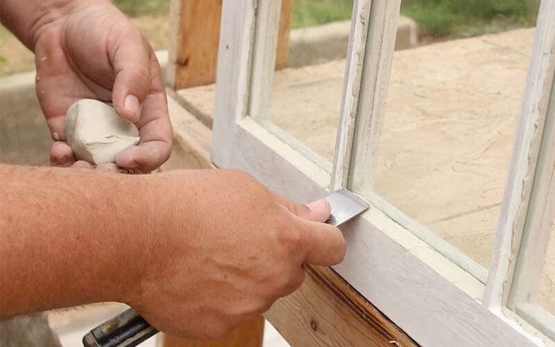 Mastic vitrier qui ne sèche pas