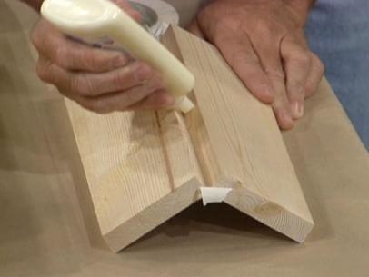 Comment enlever de la colle sur du bois ?